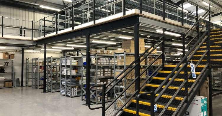 倉庫管理はまだまだ労働集約型の業務