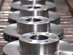 000018490714_erp-manufacturing-equipment-conveyorbelt_istock_gl497x373