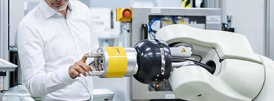 2021年に開所予定のインダストリー4.0の没入型体験センター、「The Smart Factory @ Wichita」