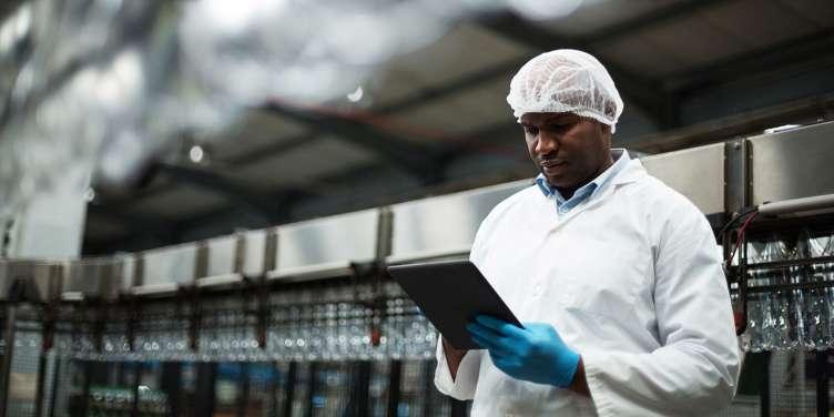 工場の生産性を改善してダウンタイムを減らし、機械の寿命を延ばすことにフォーカス
